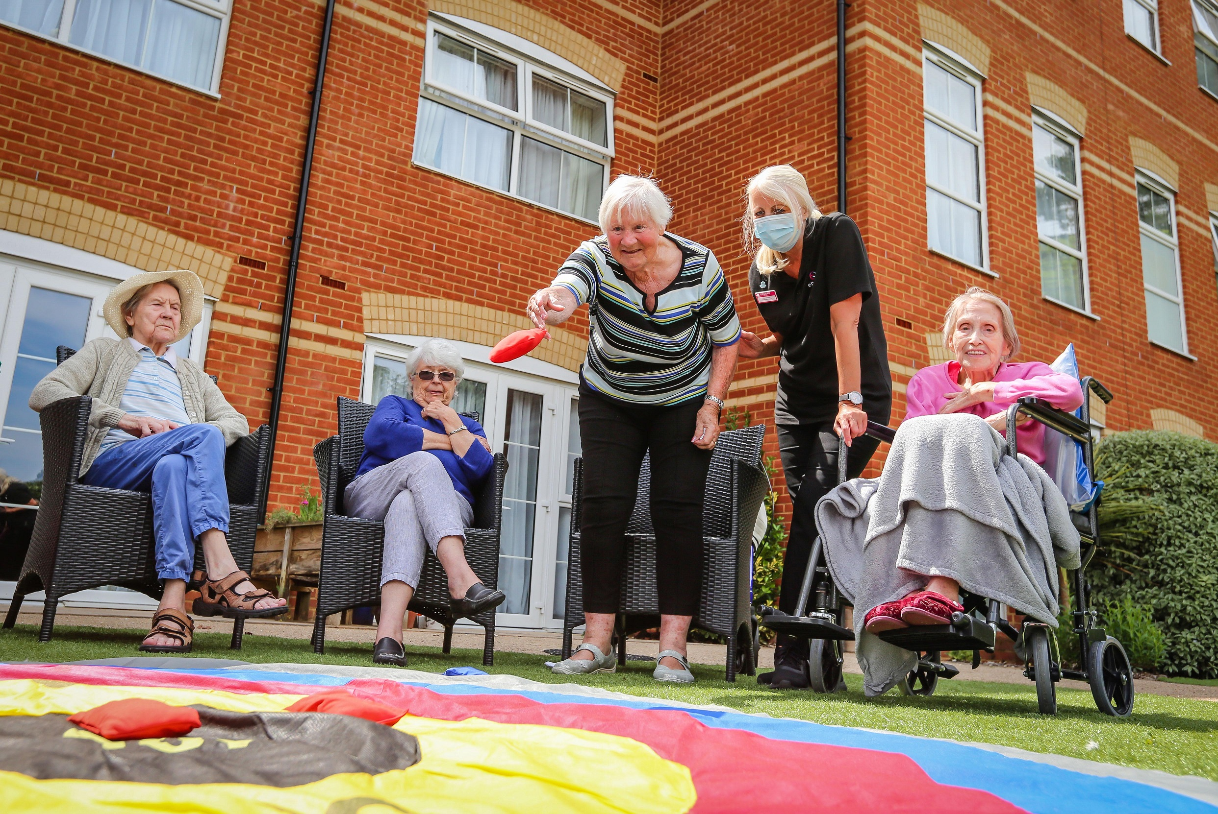 short summer stays and respite at encore care homes